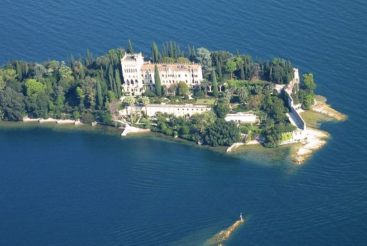 Isola del Garda from air